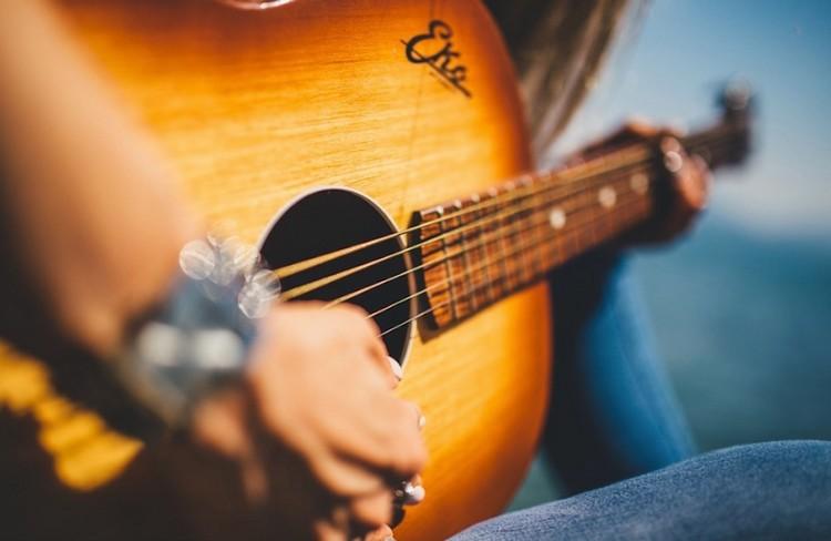 Easy-Fingerpicking-Songs