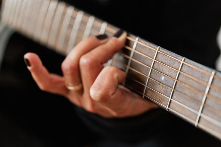 cheap-guitar-lessons